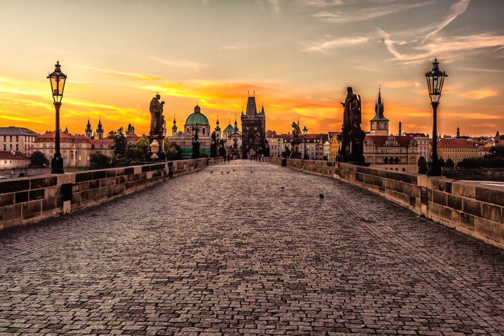Prague_sunrise_(8099151633)